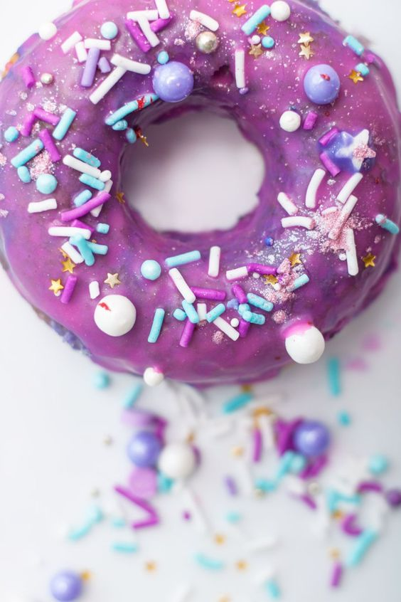 Unicorn desserts for a unicorn party: Unicorn Sprinkle Doughnuts