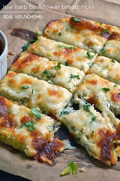 Keto snacks on the go: Low Carb Cauliflower Breadsticks