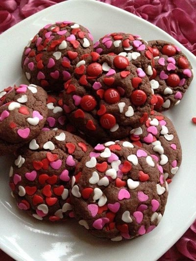 Valentines Day Treats: Chocolate Cake Mix Cookies