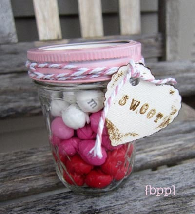 Valentines Day Mason Jar Gifts: Layered Candy Mason Jar