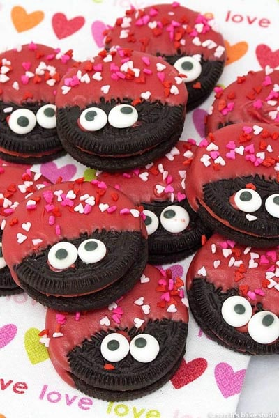 Easy Valentines Day Cookies: Love Bug Oreo Cookies