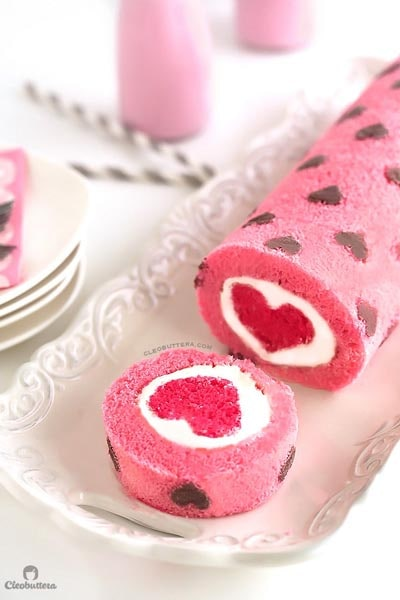 Valentines Day Treats: Love Is All Around Cake Roll