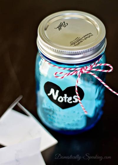Valentines Day Mason Jar Gifts: Notes in a Jar