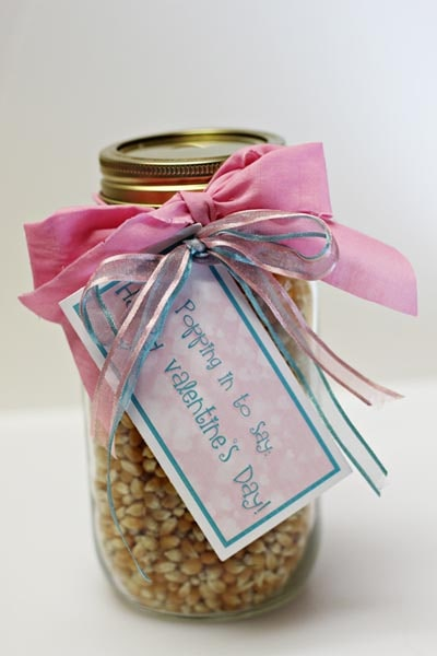 Valentines Day Mason Jar Gifts: Popping in Mason Jar
