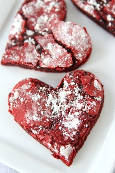 Easy Valentines Day Cookies: Red Velvet Crinkle Cookies