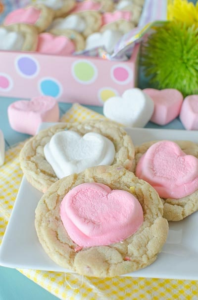 Easy Valentines Day Cookies: Valentine White Hot Cocoa Sprinkles Cookies