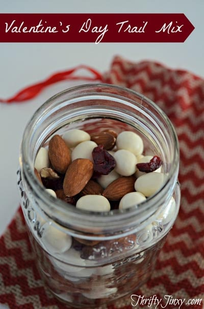 Valentines Day Mason Jar Gifts: Valentines Day Trail Mix