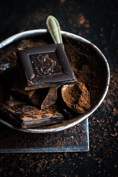 Foods To Stop Bloating: dark chocolate
