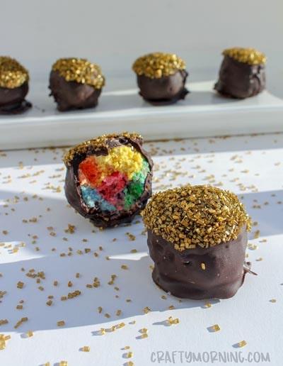 St Patrick's Day Desserts: Pot O' Gold Cake Balls