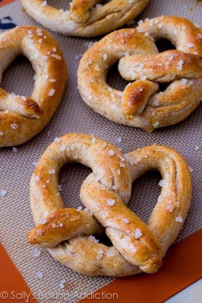Homemade Baked Bread Recipes: 30 Minute Homemade Soft Pretzels