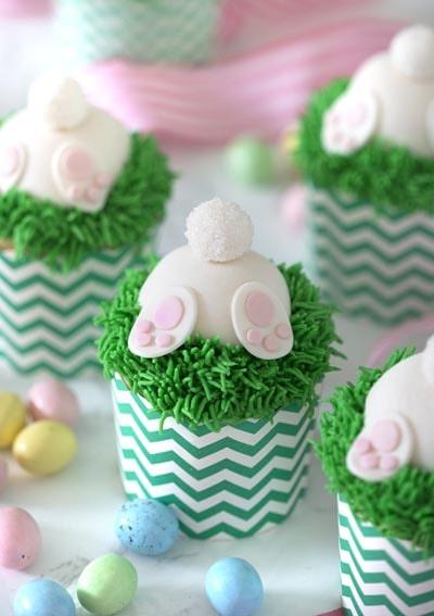 Easter Cupcake Ideas: Bunny Butt Cupcakes