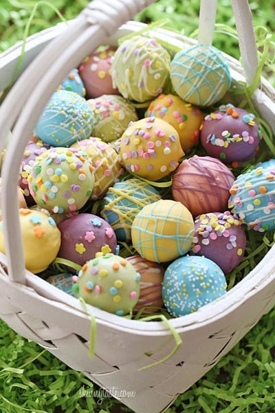 Easter desserts and treats: Easter Egg Cake Balls