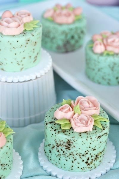 Easter desserts and treats: Mini Speckled Egg Cakes