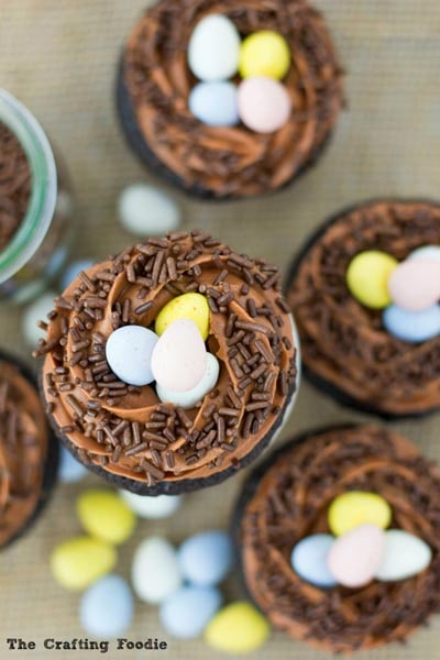 Easter Cupcake Ideas: Robin's Nest Cupcakes