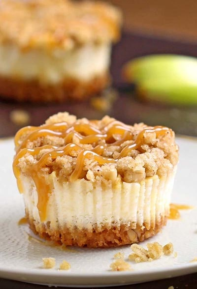 Mini Cheesecake Recipes: Caramel Apple Crisp Mini Cheesecakes