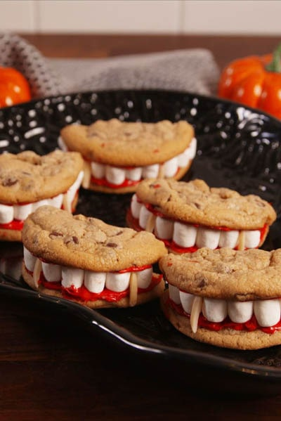 Fun Halloween Snack Ideas and Halloween Treats: Dracula Dentures