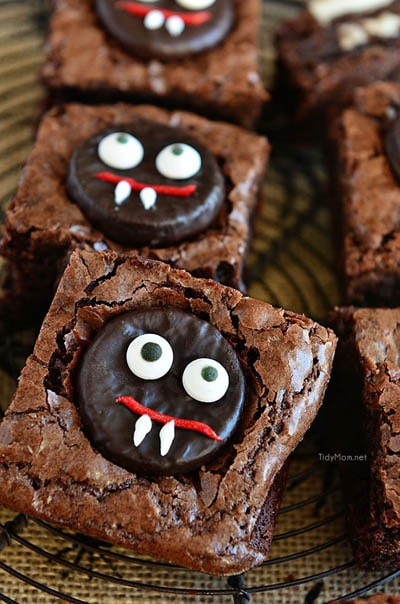 Fun Halloween Snack Ideas and Halloween Treats: Minty Fudge Vampire Brownies