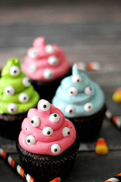Fun Halloween Snack Ideas and Halloween Treats: Monster Cupcakes