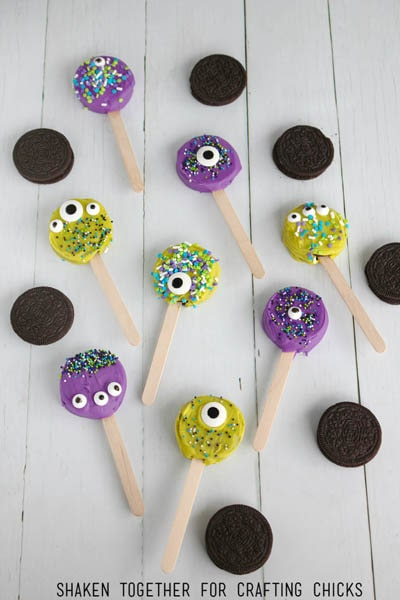 Fun Halloween Snack Ideas and Halloween Treats: Monster Face Oreo Pops