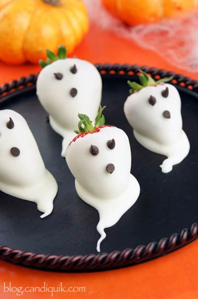 Fun Halloween Snack Ideas and Halloween Treats: Strawberry Ghosts
