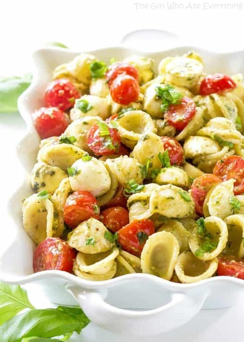 Meatless meal recipes: Caprese Pesto Pasta Salad